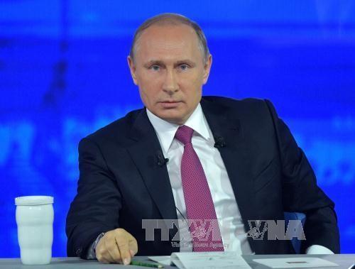 Presiden Rusia, Vladimir Putin menjawab kira-kira 70 pertanyaan selama kira-kira 4 jam melakukan temu pergaulan online dengan rakyat - ảnh 1