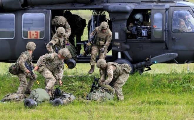 NATO untuk pertama kalinya melakukan latihan perang defensif berskala besar di Baltik - ảnh 1