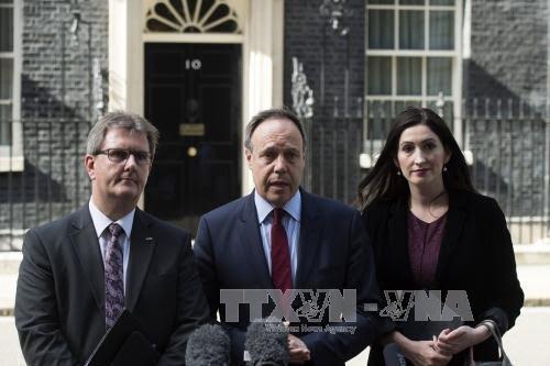 Inggris: upaya melakukan dialog antara PM Theresa May dan DUP berlangsung tidak seperti yang diprakirakan - ảnh 1
