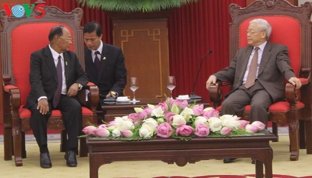 Memperkuat hubungan persahabatan dan kerjasama antara tiga negara Vietnam-Laos-Kamboja - ảnh 1