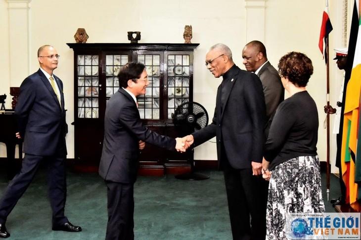 Republik Kerjasama Guyana ingin memperkuat hubungan dengan Vietnam - ảnh 1
