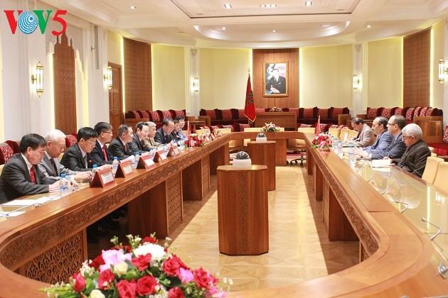 Wakil Ketua MN Vietnam, Phung Quoc Hien melakukan kunjungan di Maroko - ảnh 1