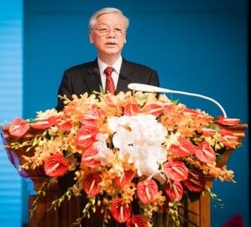 Rapat umum khidmat memperingati ultah ke-55 Hari penggalangan hubungan diplomatik dan ultah ke-40 Hari penandatanganan Traktat Persahabatan dan Kerjasama Vietnam-Laos - ảnh 2
