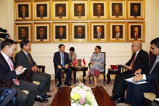 Deputi PM Vietnam, Vuong Dinh Hue: mencapai nilai perdagangan bilateral Vietnam-Indonesia  sebanyak 10 miliar USD - ảnh 1