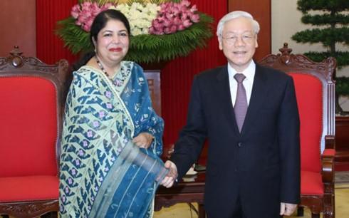 Sekjen KS PKV Nguyen Phu Trong menerima Ketua Parlemen Bangladesh, Shirin Sharmin Chaudhury - ảnh 1