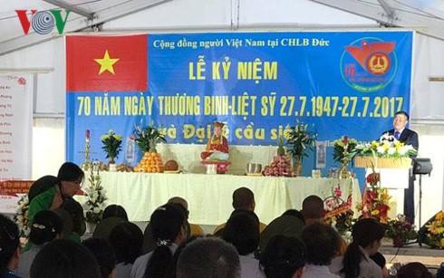 Pembukaan pacara memperingati ultah ke-70 Hari Prajurit Disabilitas dan Martir Vietnam (27/7) diadakan di Republik Federasi Jerman - ảnh 1