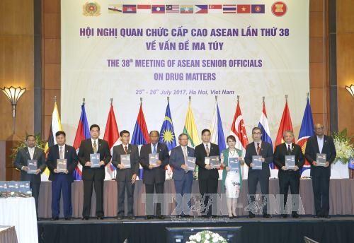 Mengumumkan hasil Konferensi  Pejabat Senior ASEAN ke-38 tentang pencegahan dan pemberantas narkotika - ảnh 1