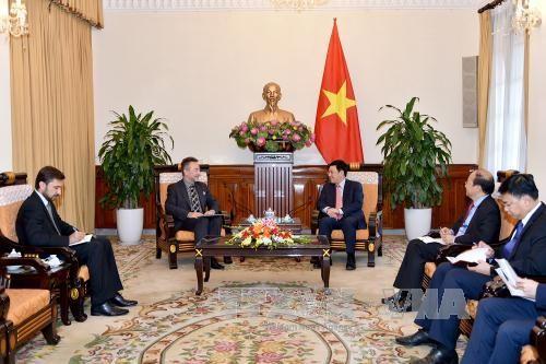 Deputi PM, Menlu Vietnam, Pham Binh Minh menerima Dubes Republik Czech - ảnh 1
