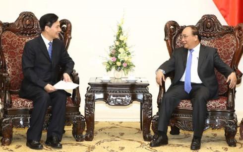 PM Vietnam, Nguyen Xuan Phuc menerima pimpinan beberapa Grup Tiongkok - ảnh 1