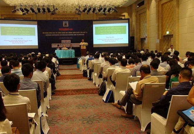 Konferensi Nasional ke-12 Ilmu pengetahuan dan teknologi nuklir  dibuka di Kota Nha Trang, Provinsi Khanh Hoa, Vietnam Tengah - ảnh 1