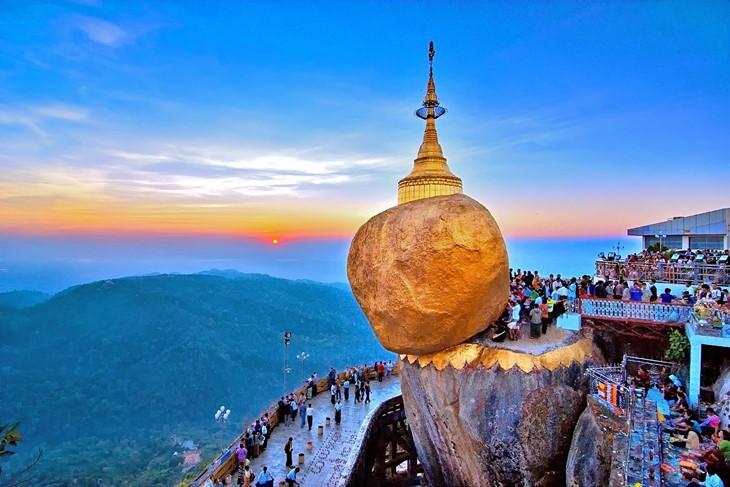 Pameran foto-foto yang indah tentang negeri dan manusia ASEAN diadakan di Kota Hai Phong, Vietnam Utara - ảnh 1