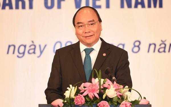 PM Vietnam Nguyen Xuan Phuc dan Istri memimpin upacara peringatan ultah ke-50 Hari berdirinya ASEAN - ảnh 1