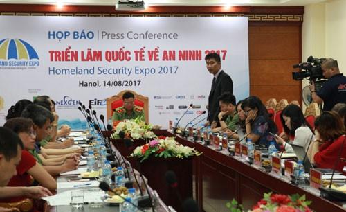100 gerai  akan ikut serta dalam Pameran internasional tentang peralatan keamanan 2017 - ảnh 1