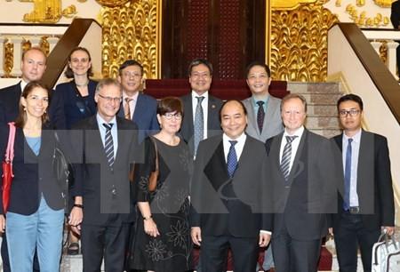 Vietnam selalu menginginkan agar badan-badan usaha Eropa melakukan investasi di Vietnam - ảnh 1