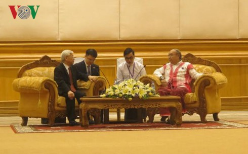 Sekjen KS PKV, Nguyen Phu Trong  mengadakan pertemuan dengan Ketua Parlemen Myanmar - ảnh 1
