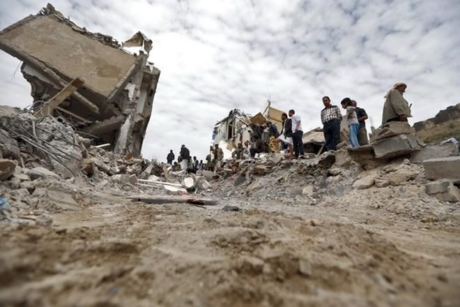 Pasukan-pasukan yang berbaku tembak telah menarik diri keluar dari Ibukota Yaman - ảnh 1
