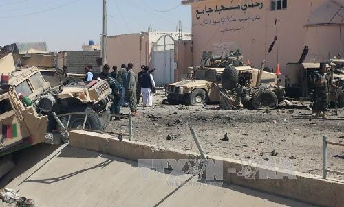 Serangan bom bunuh diri di Afghanistan menimbulkan banyak korban - ảnh 1
