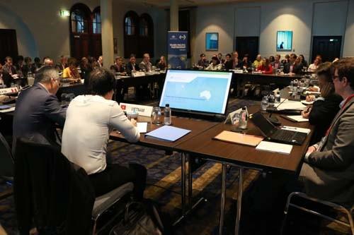 Vietnam berpartisipasi dalam konferensi SOM mendorong TPP di Australia - ảnh 1