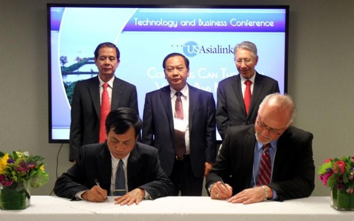 Kota Can Tho melakukan promosi kemitraan teknologi, perdagangan dan konektivitas dengan dua negara bagian AS - ảnh 1