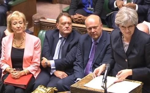 PM Inggris mengumumkan solusi-solusi bagi semua situasi Brexit - ảnh 1