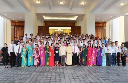 Sekjen KS PKV Nguyen Phu Trong melakukan pertemuan dengan para petani tipikal - ảnh 1