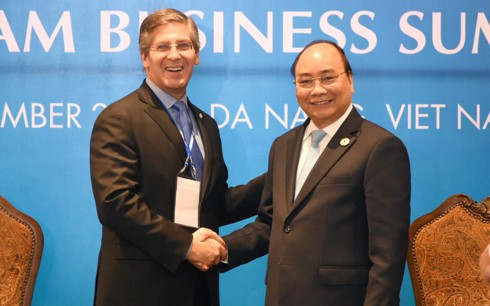 PM Vietnam, Nguyen Xuan Phuc menerima para pemimpin beberapa Grup Internasional peserta VBS - ảnh 1