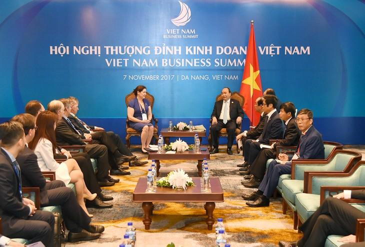 PM Vietnam, Nguyen Xuan Phuc menerima Gabungan Badan Usaha AS APEC - ảnh 1