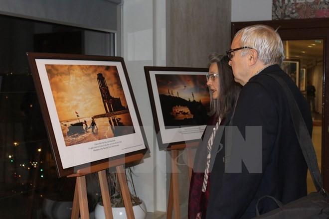 "Pameran foto ""Laut Vietnam yang cemerlang"" di Markas Besar UNESCO di Paris - ảnh 1"