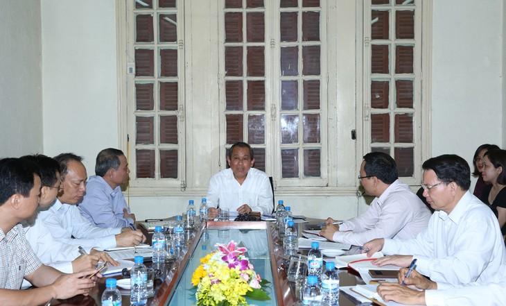 张和平与政府办公厅和国家交通安全委员会举行工作座谈 - ảnh 1
