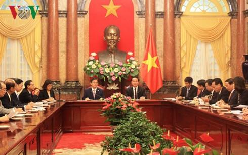 越南国家主席陈大光会见日本爱知县知事大村秀明 - ảnh 1