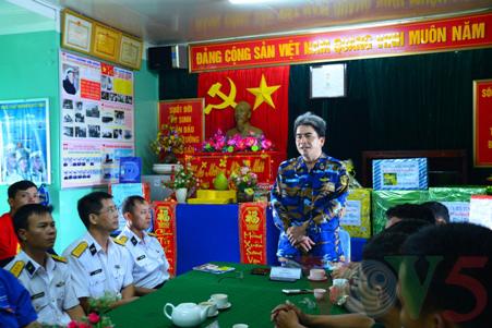 越南高脚屋驻军战士迎接新春 - ảnh 3