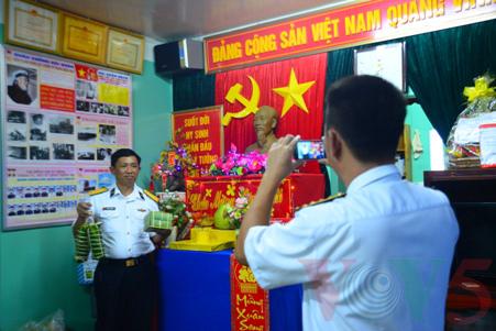 越南高脚屋驻军战士迎接新春 - ảnh 11