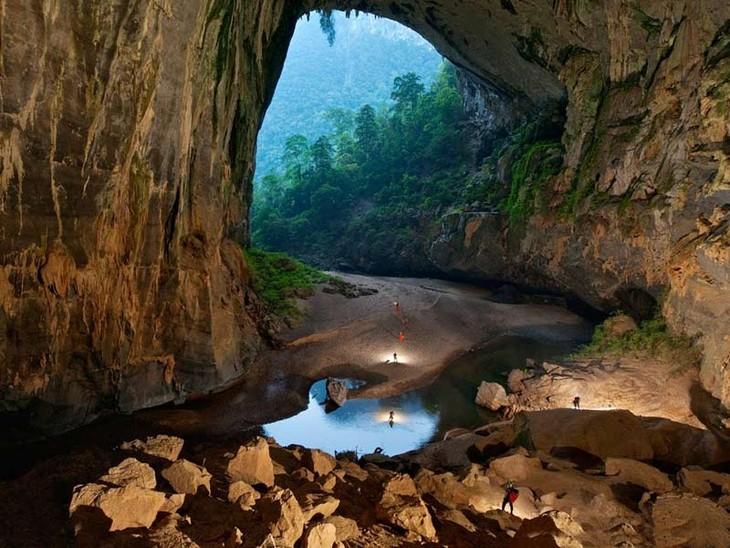 越南山冬洞和板约瀑布入选亚洲奇观 - ảnh 1