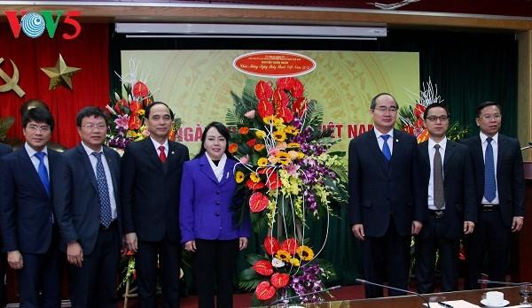 越南举行多项极富意义的切实活动纪念医生节 - ảnh 1