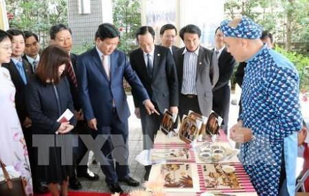促进日本关西地区与越南胡志明市之间的合作与投资 - ảnh 1