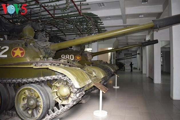 一睹1975年4月30日撞倒独立宫铁门的390号坦克风采 - ảnh 9