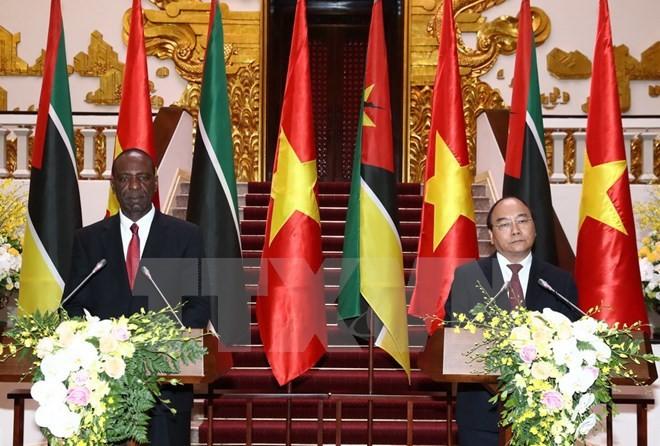 莫桑比克总理多罗萨里奥圆满结束访越行程 - ảnh 1