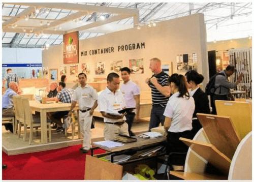 79家国际企业参加越南机械与木材原料展 - ảnh 1