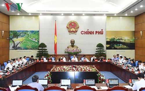 越南政府工作例会:8月继续好转 经济社会指标良好 - ảnh 1