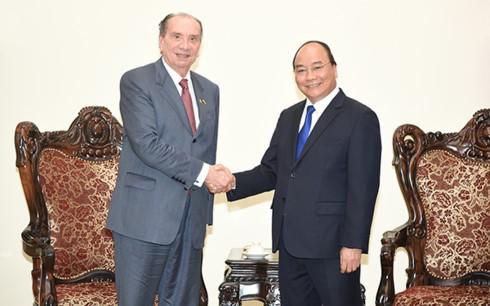 越南政府总理阮春福会见巴西外交部长费雷拉 - ảnh 1