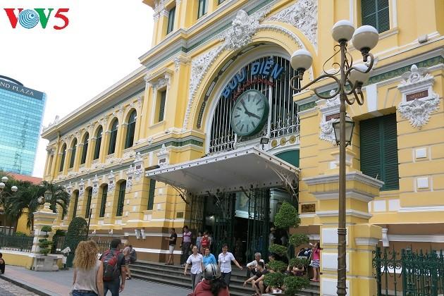 胡志明市的特殊建筑工程——西贡中心邮局 - ảnh 1