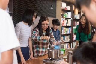 探访抚慰旅居中国台湾越南人心灵的望见书店 - ảnh 3