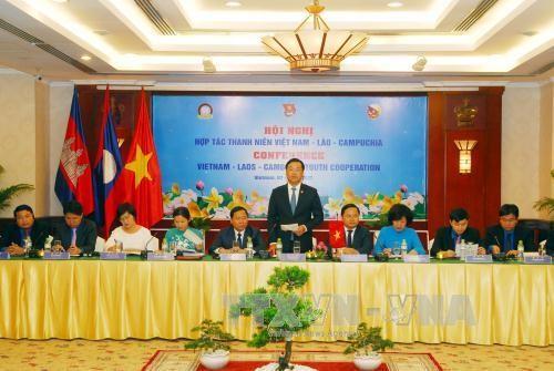Vietnam-Laos-Cambodge: resserrer les liens entre les jeunes  - ảnh 1