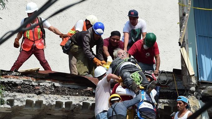 Le Mexique frappé par un puissant séisme - ảnh 1
