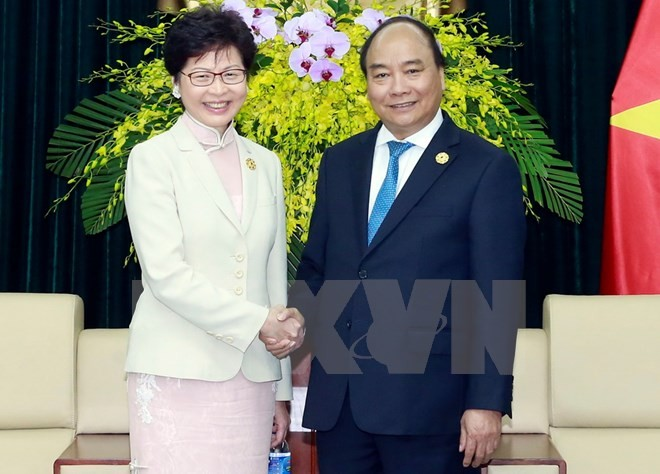 Nguyen Xuan Phuc rencontre la cheffe de l'exécutif de Hong Kong - ảnh 1