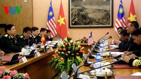 Vietnam y Malasia fortalecen colaboración de defensa - ảnh 1