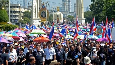 Manifestación en Tailandia contra borrador de ley de amnistía - ảnh 1