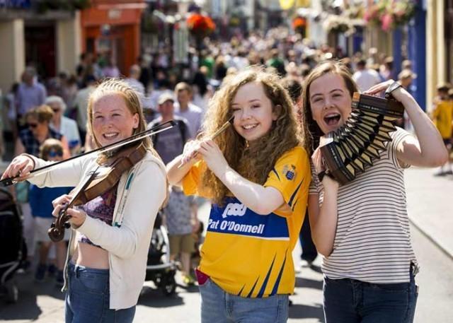 Fleadh Cheoil na hÉireann– the biggest festival of music in Ireland - ảnh 3
