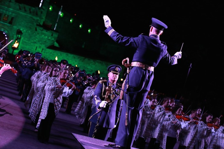 Scottish Royal Military Tattoo – iconic and spectacular - ảnh 1