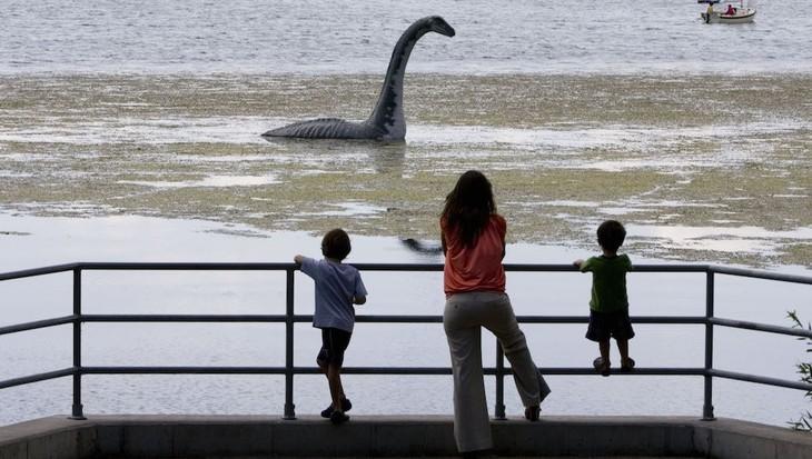 The mystery of Loch Ness monster in Scotland - ảnh 1